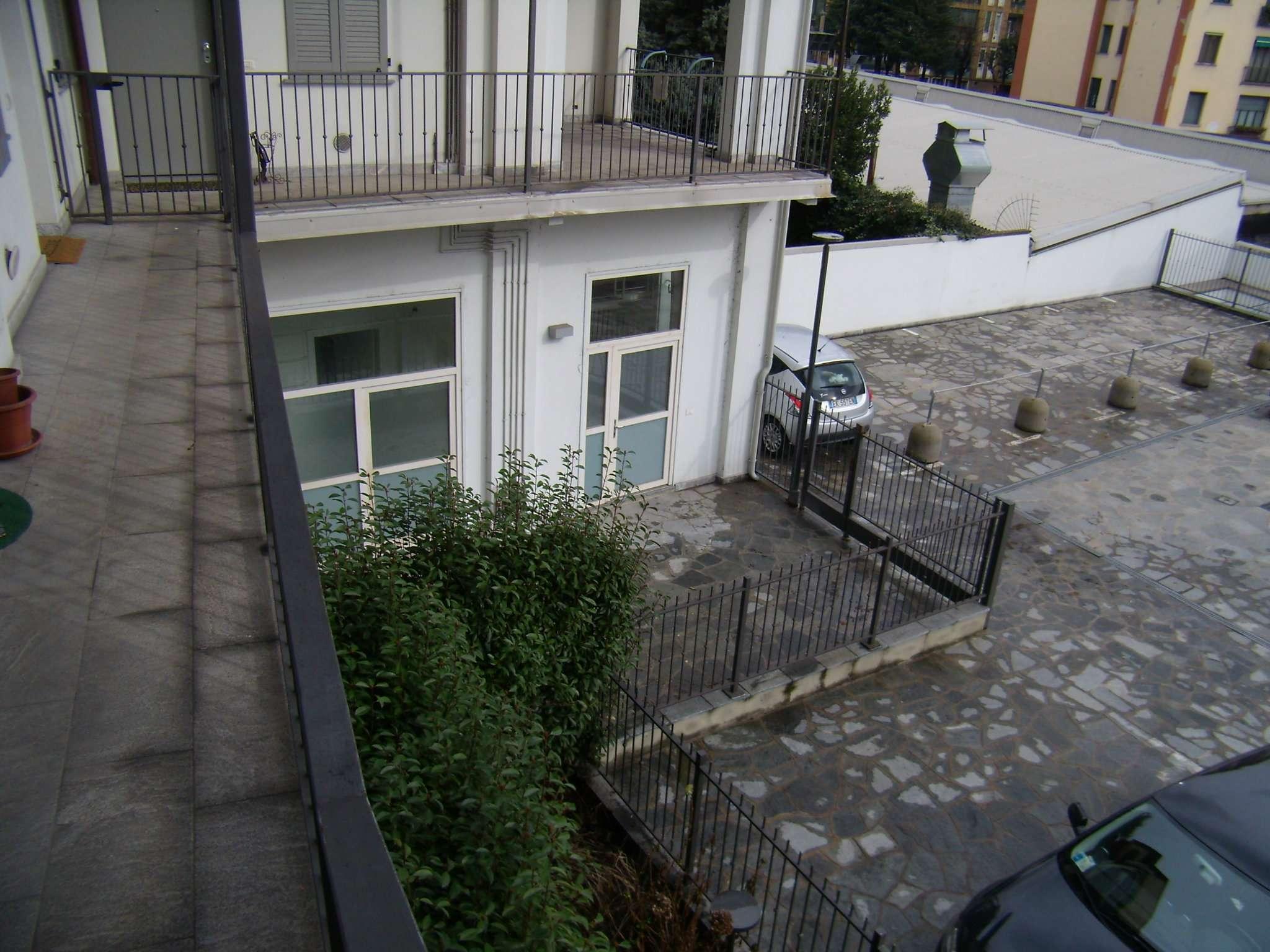 Bilocale Milano Via Guglielmo Guintellino 3