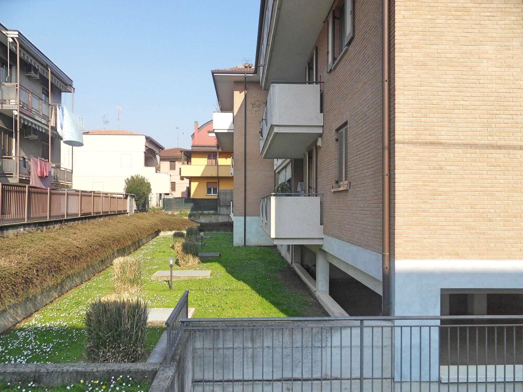 Bilocale Nova Milanese Via Villa 13