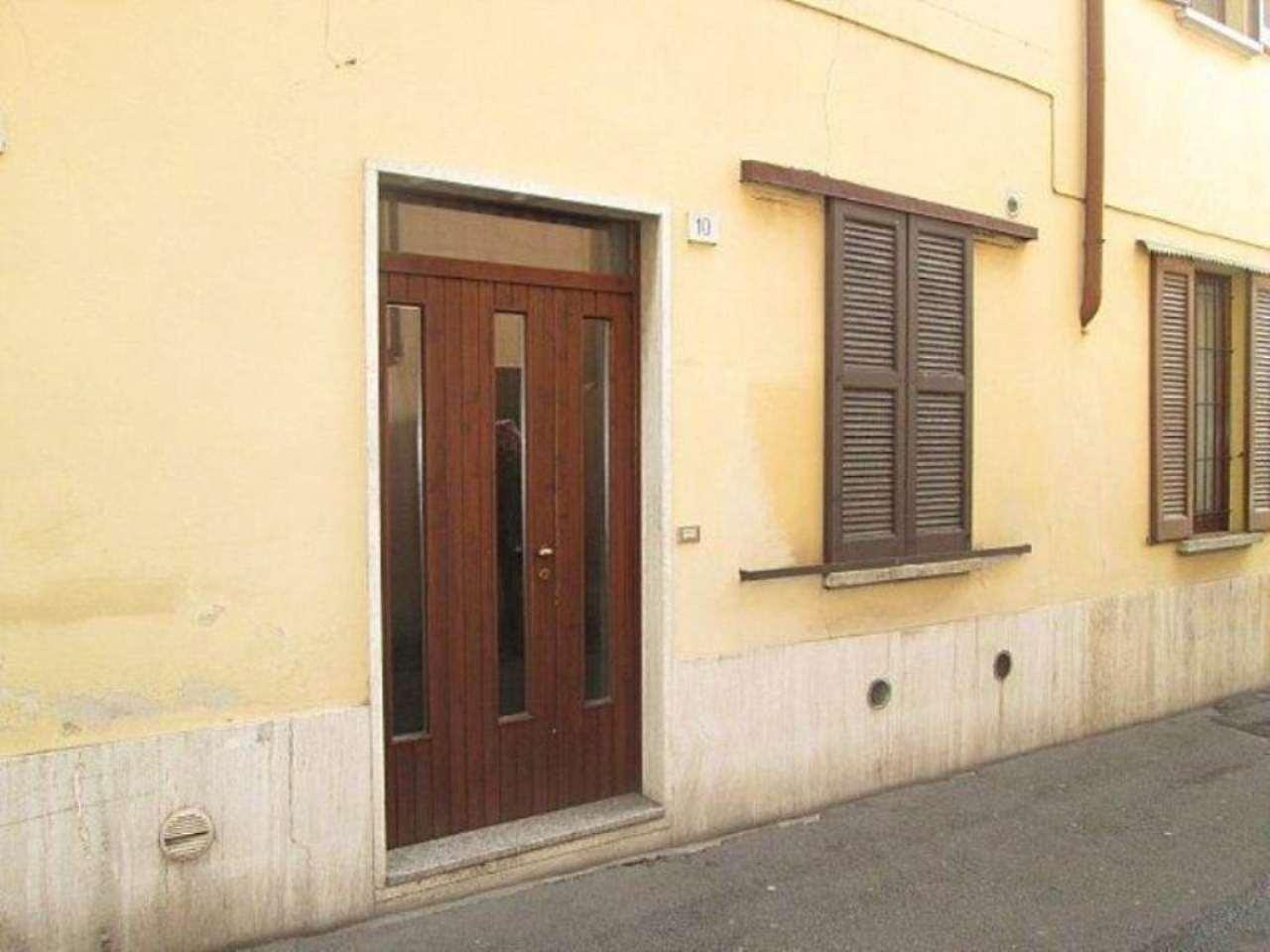 Bilocale Lentate sul Seveso Via Camillo Benso Conte Di Cavour 7