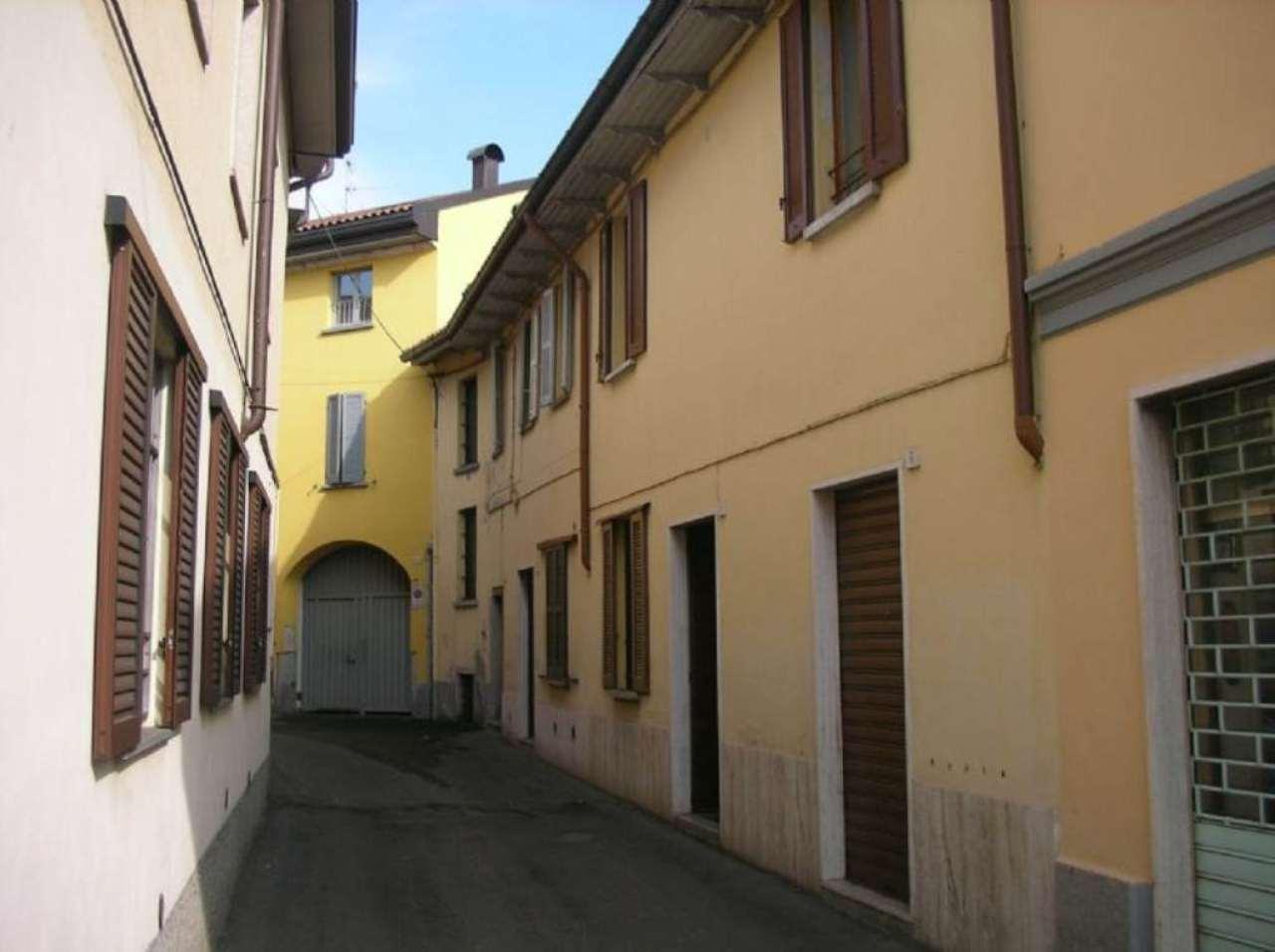 Bilocale Lentate sul Seveso Via Camillo Benso Conte Di Cavour 8