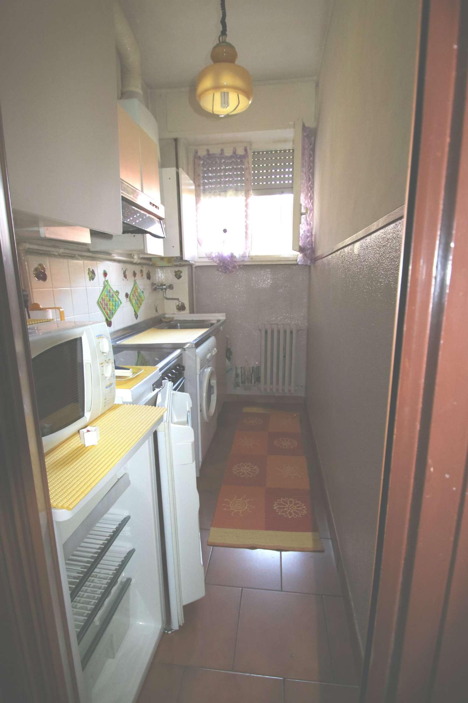 Bilocale Milano Via Romualdo Bonfadini 9