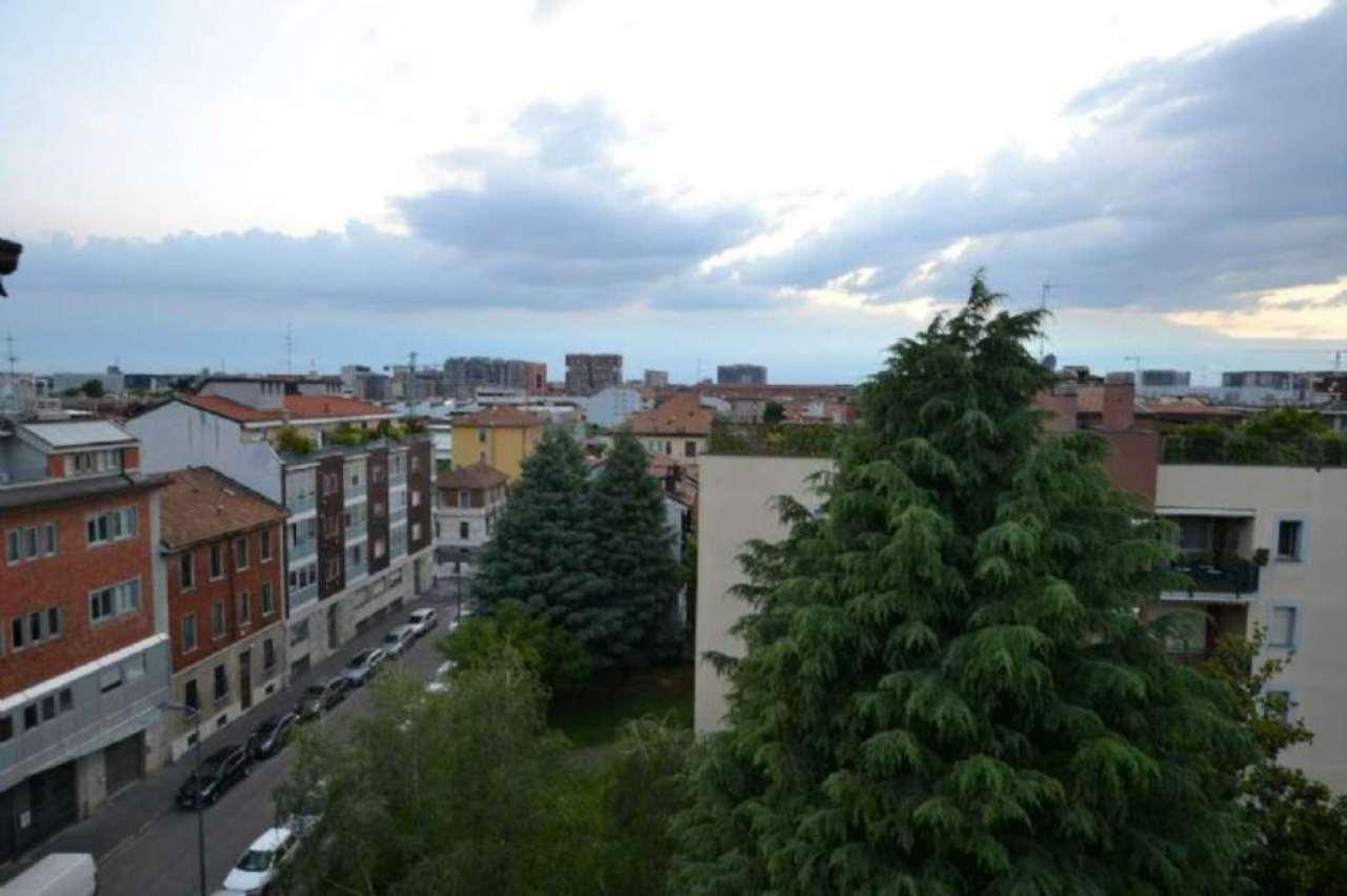 Bilocale Milano Viale Monza 10