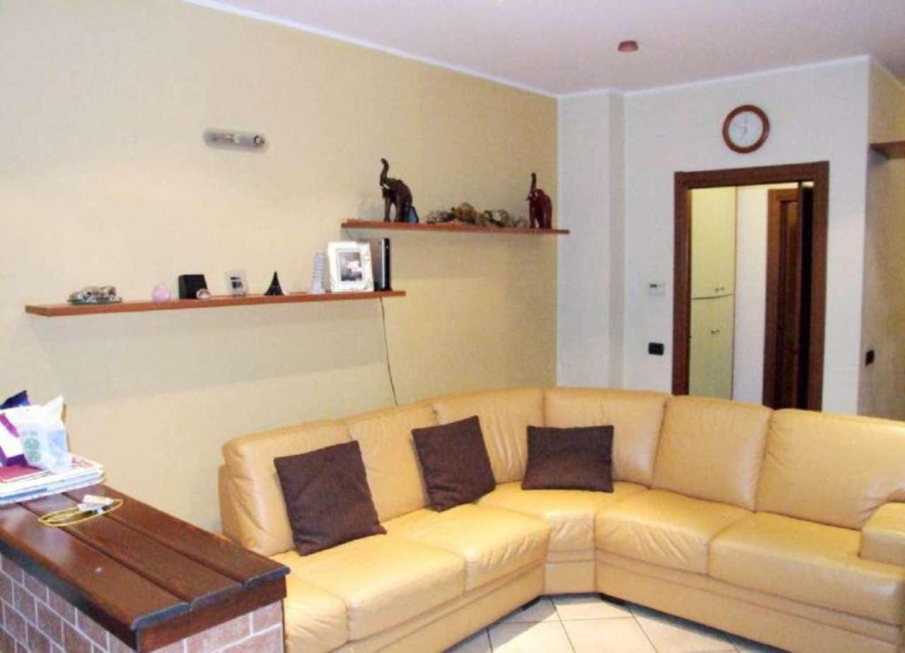 Bilocale Varedo Via Gorizia 3