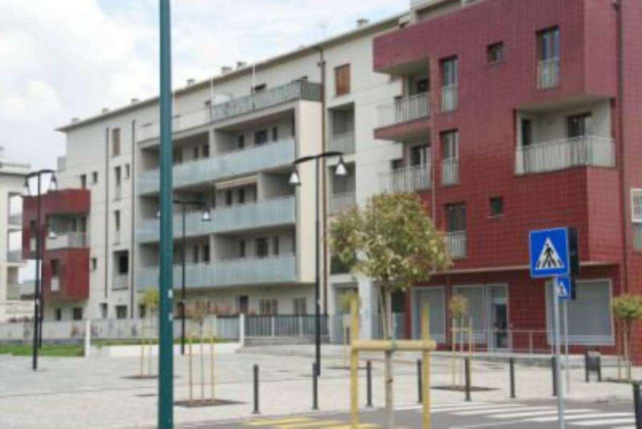 Bilocale Cologno Monzese Viale Lombardia 10