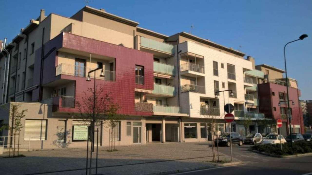 Bilocale Cologno Monzese Viale Lombardia 11