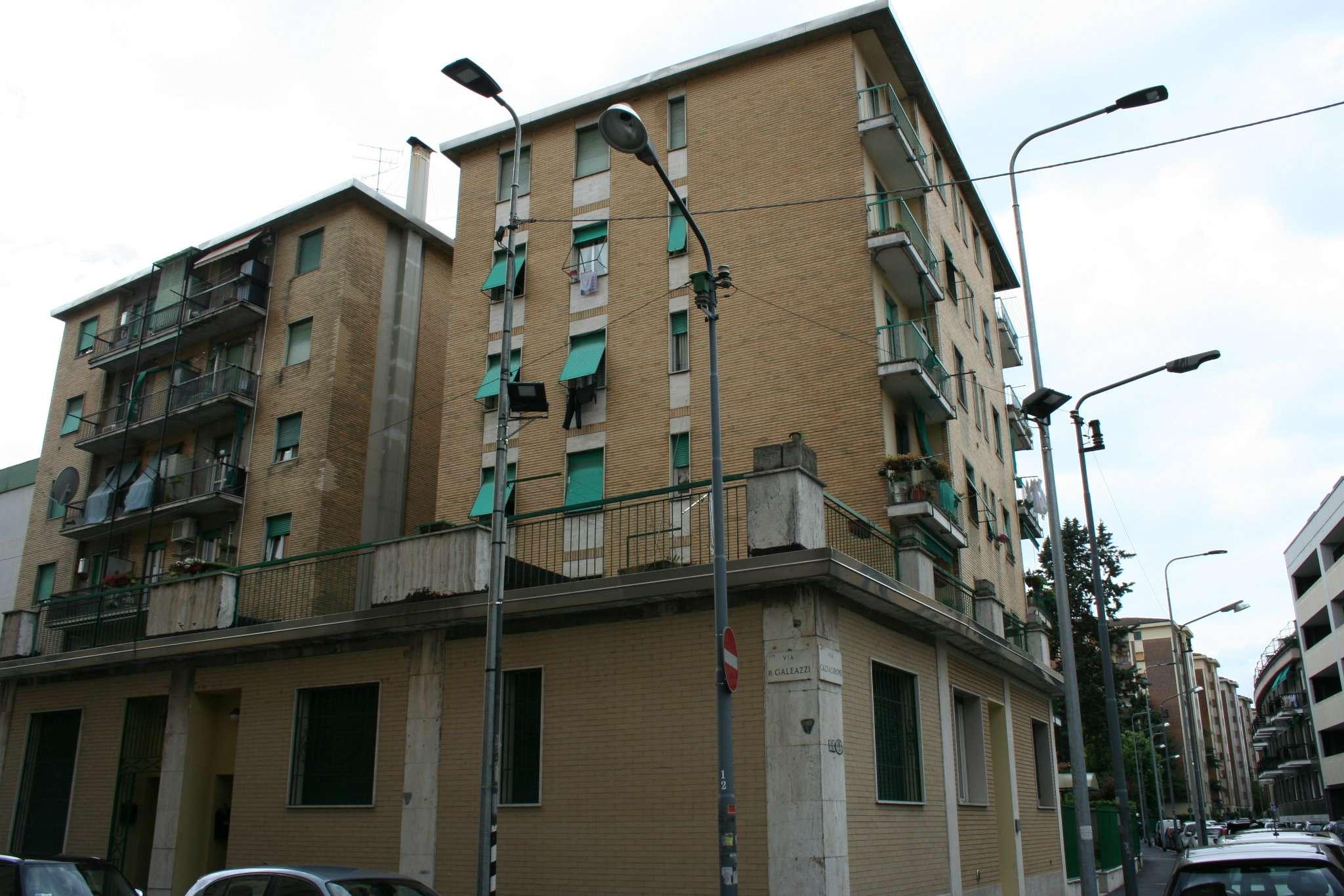 Bilocale Milano Via Caltagirone 1