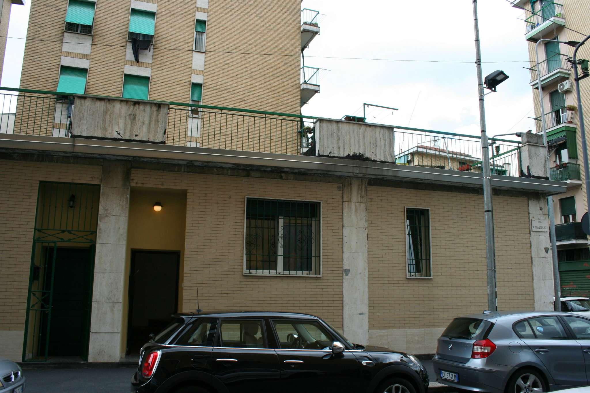 Bilocale Milano Via Caltagirone 3