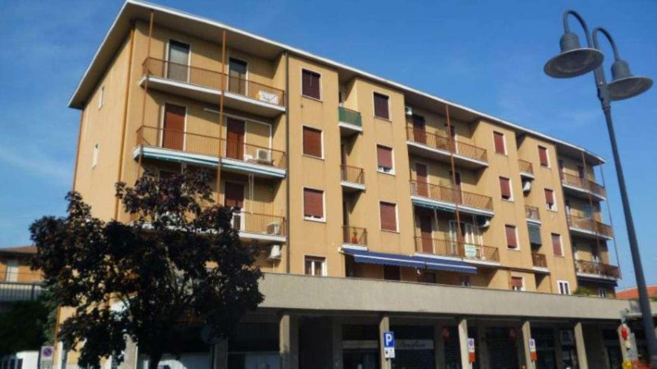 Bilocale Cassano d Adda Via Alessandro Manzoni 7