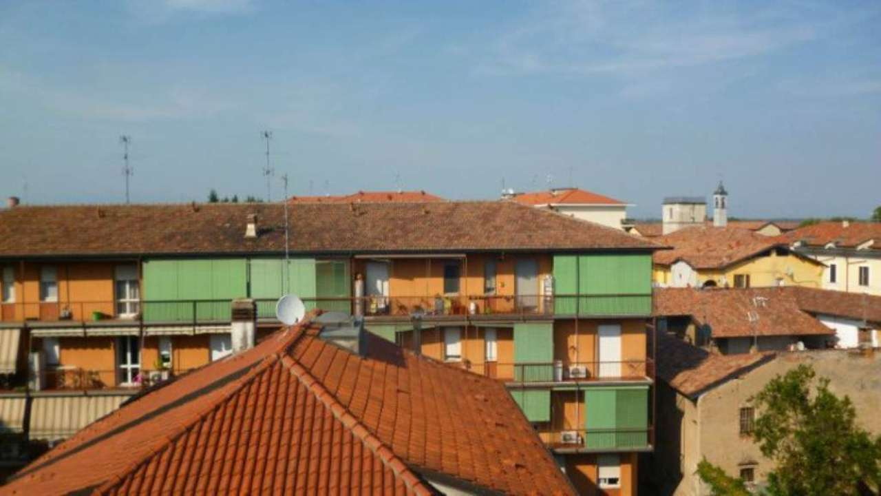 Bilocale Cassano d Adda Via Alessandro Manzoni 4