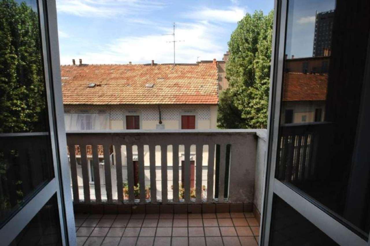 Bilocale Milano Via Bernardino Verro 4