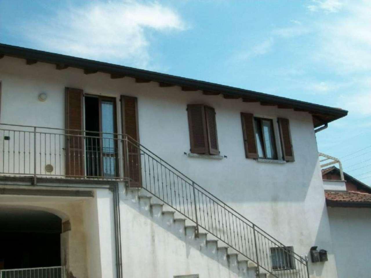 Bilocale Inverigo Via Fornacetta 9