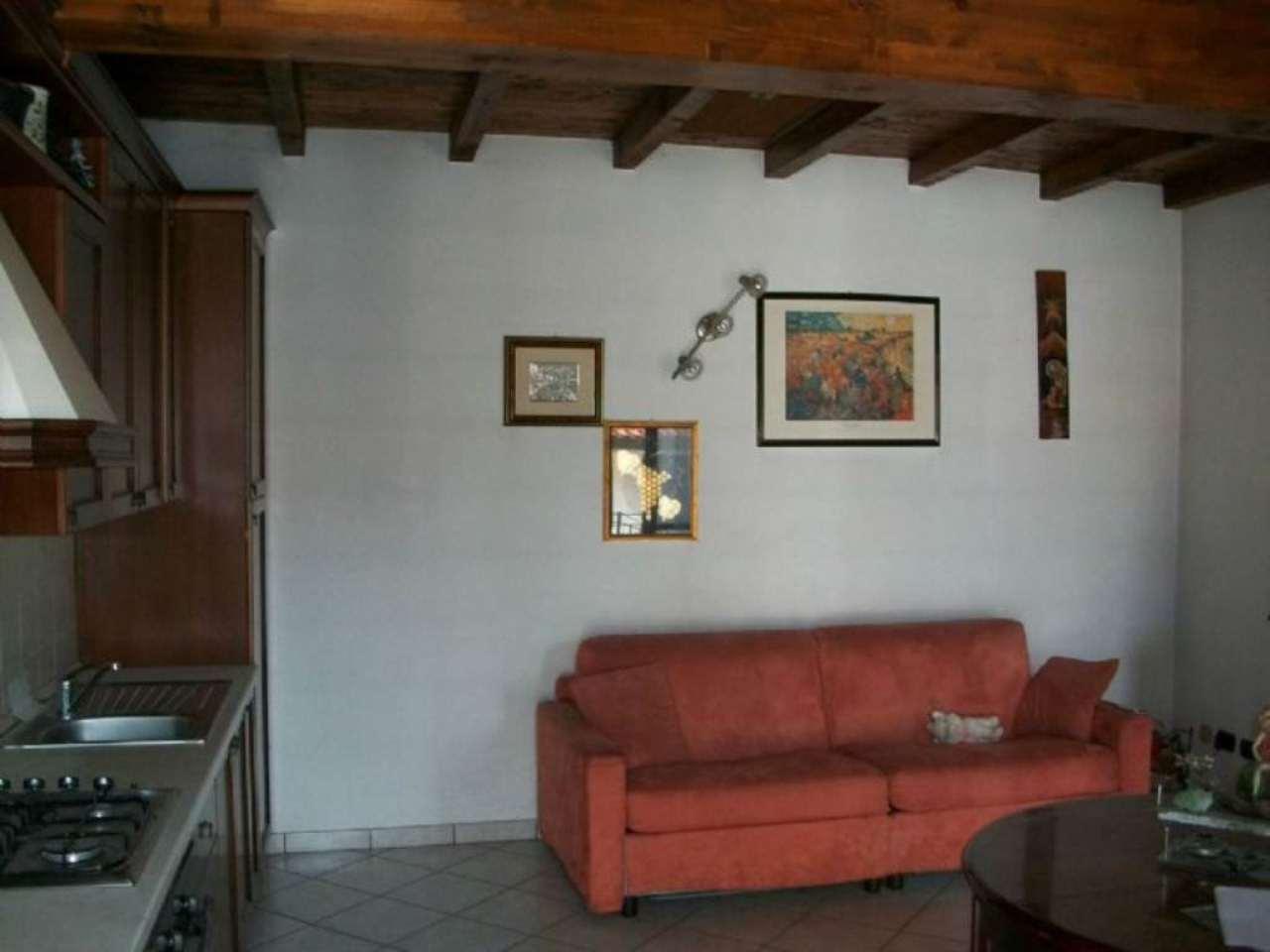 Bilocale Inverigo Via Fornacetta 1
