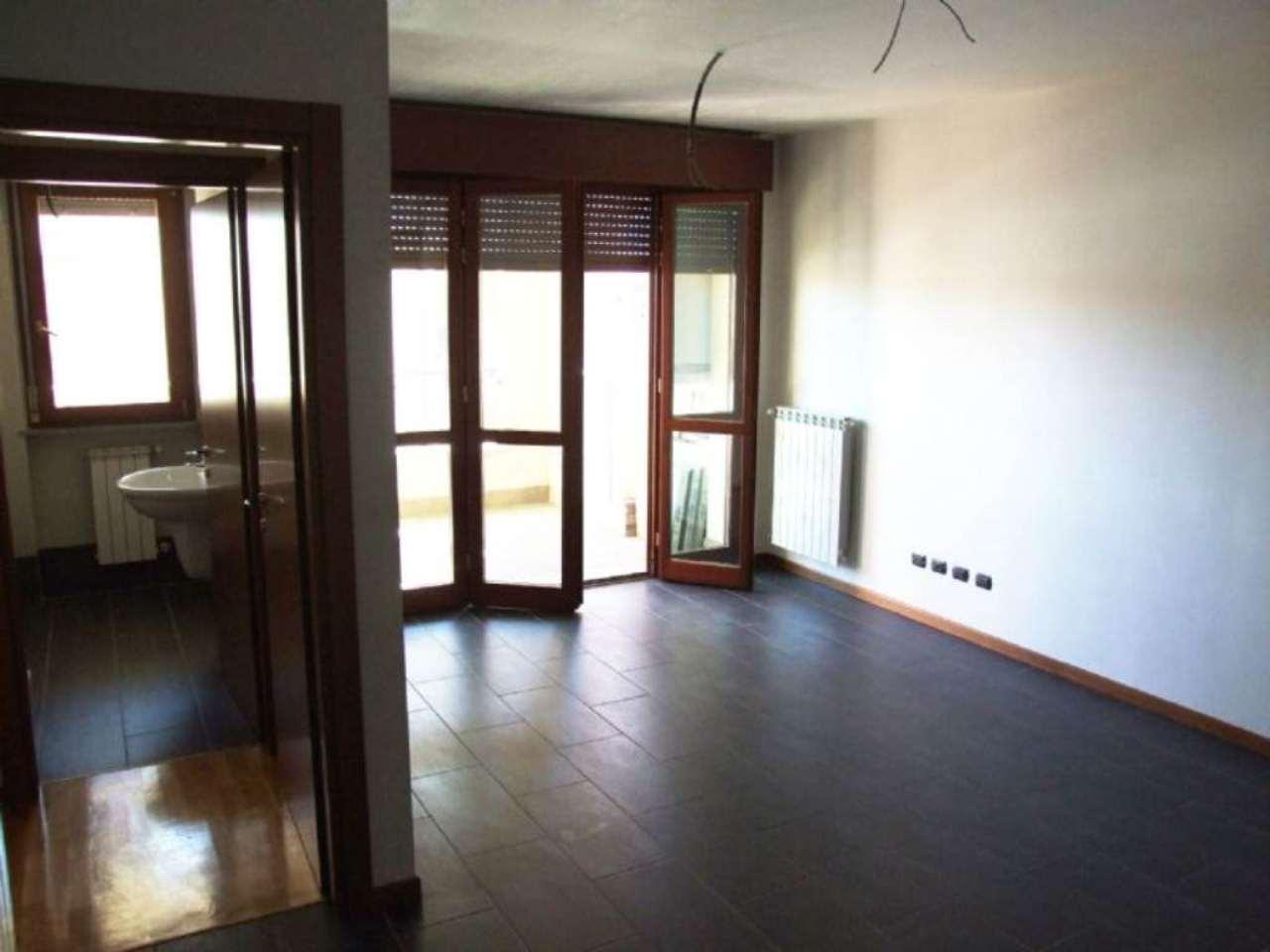 Bilocale Cesano Maderno Via Sandro Pertini 4