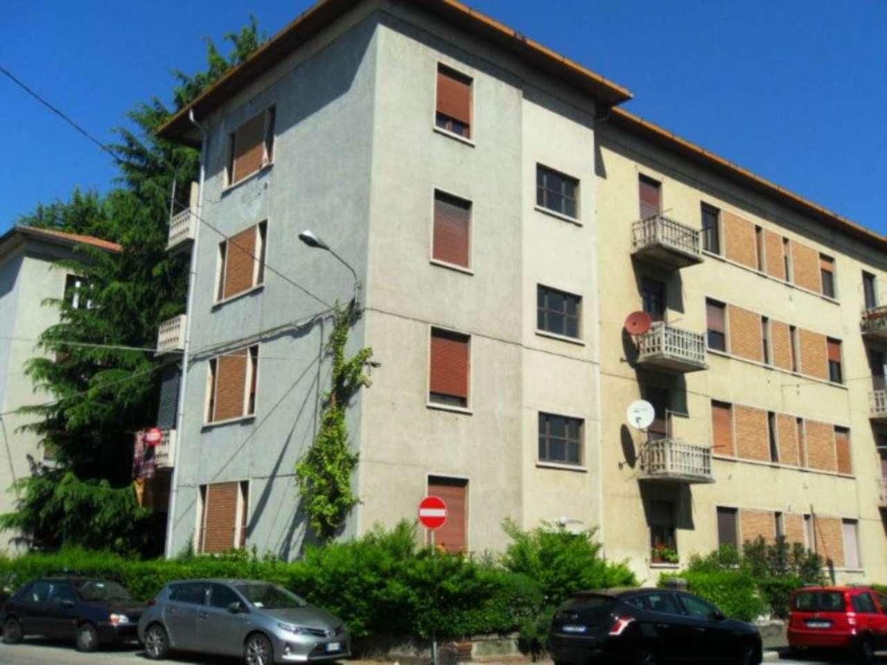 Bilocale Varese Via Monte Golico 10