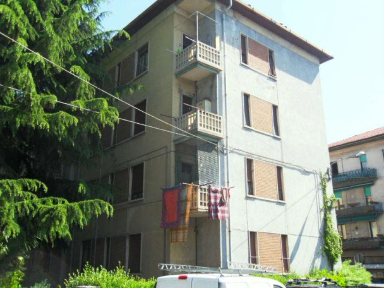 Bilocale Varese Via Monte Golico 9