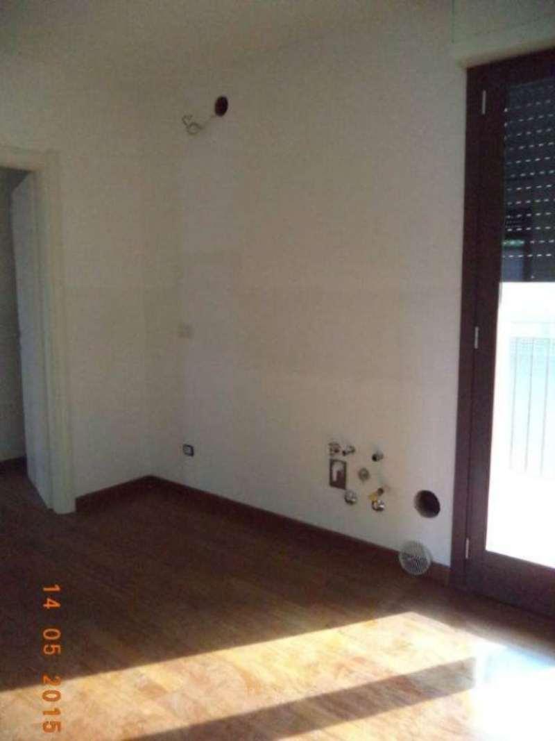 Bilocale Milano Via Luigi Alamanni 2