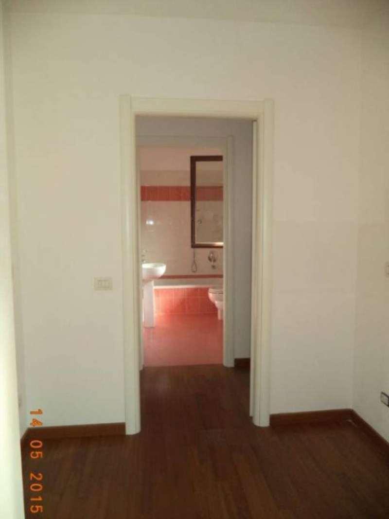 Bilocale Milano Via Luigi Alamanni 5