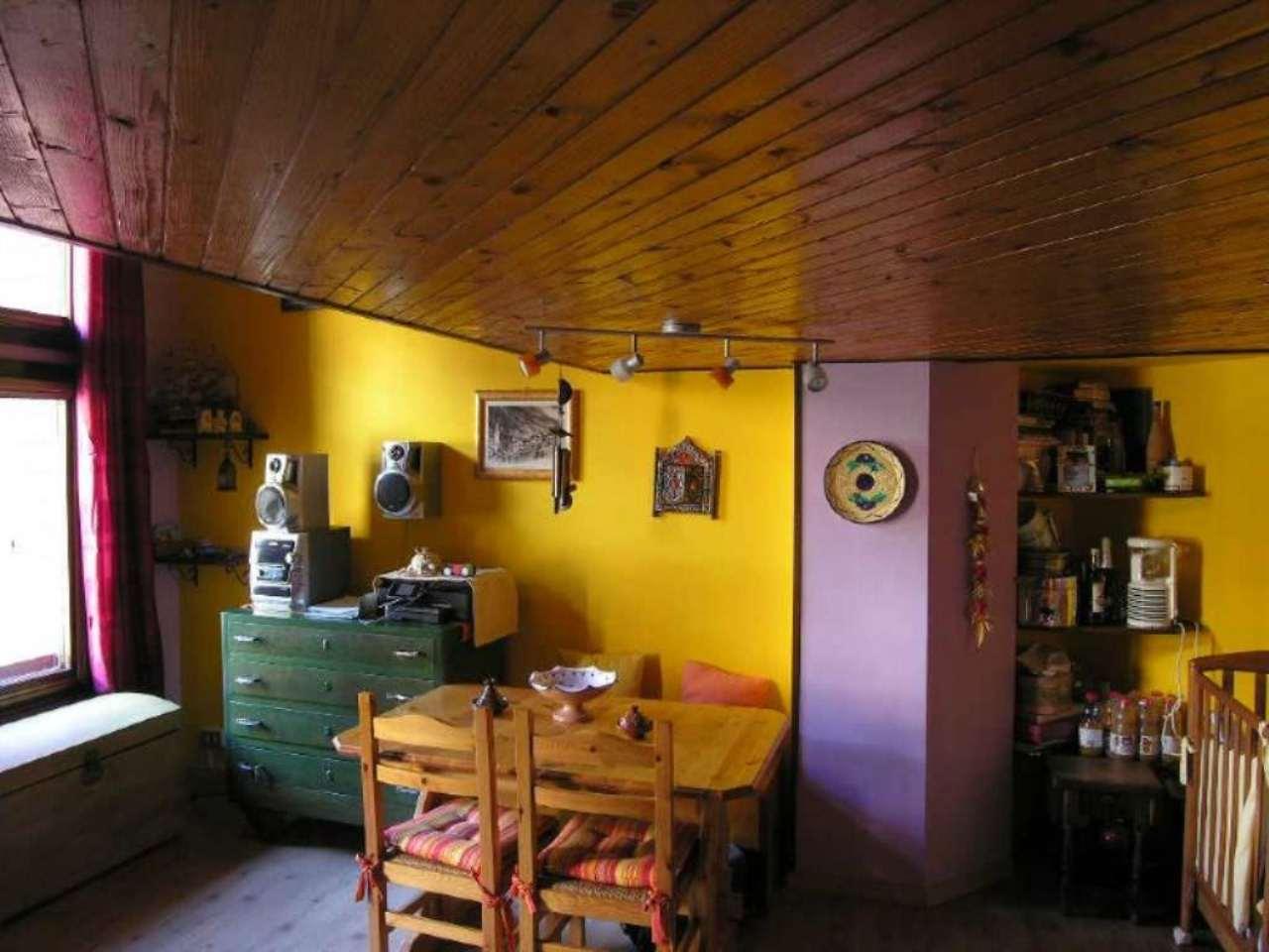 Bilocale Valtournenche Via Cervinia Strada Giomain Scala 3