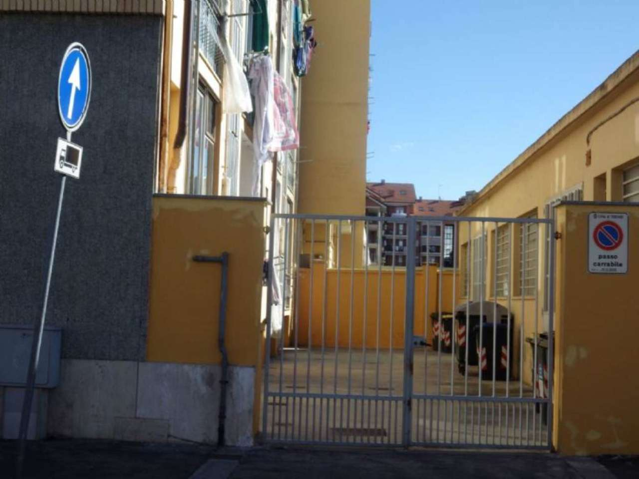 Bilocale Torino Via Chambéry 9