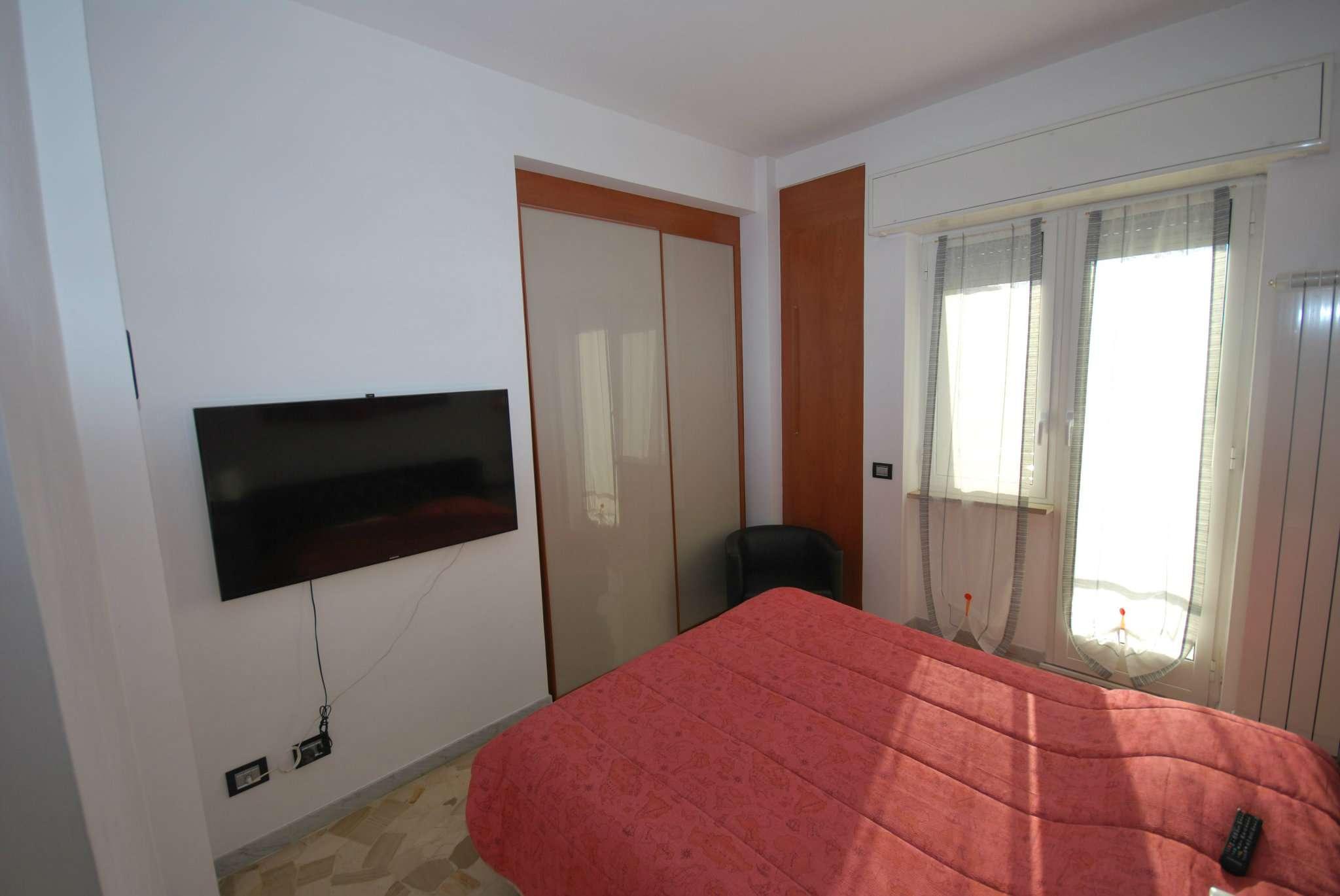 Bilocale Genova Via Giovanni Daneo 8