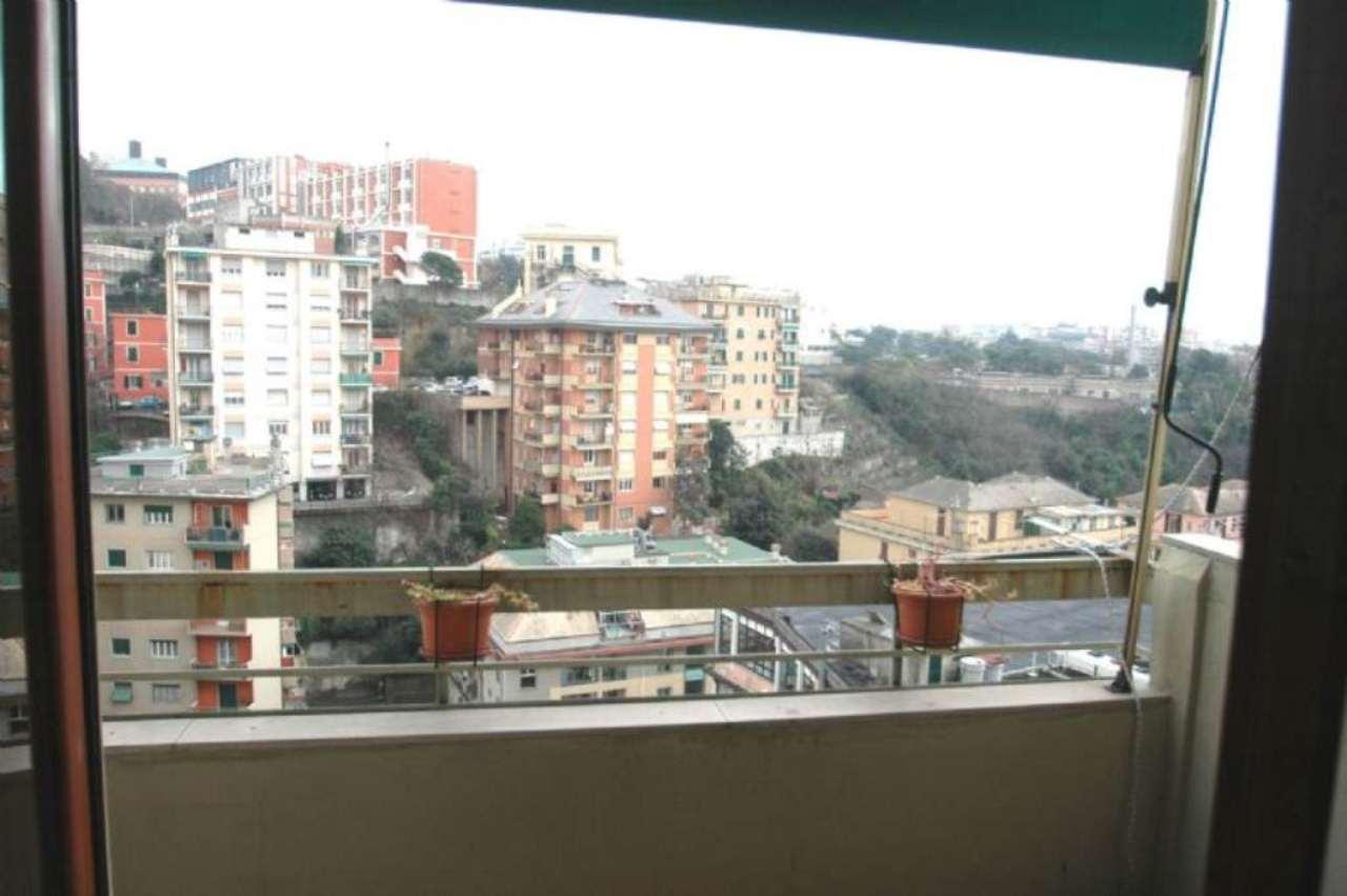 Bilocale Genova Via Aureliano Galeazzo 13