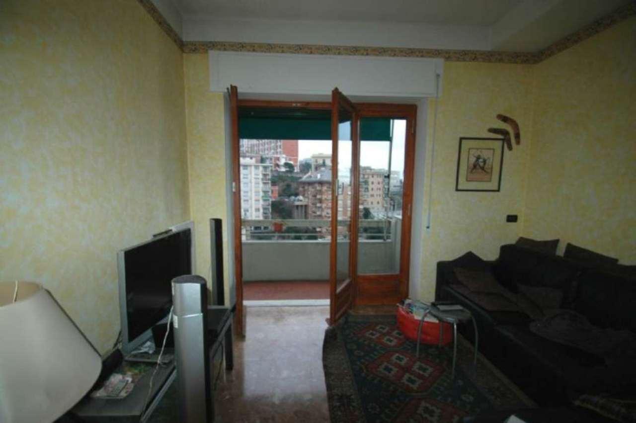Bilocale Genova Via Aureliano Galeazzo 2