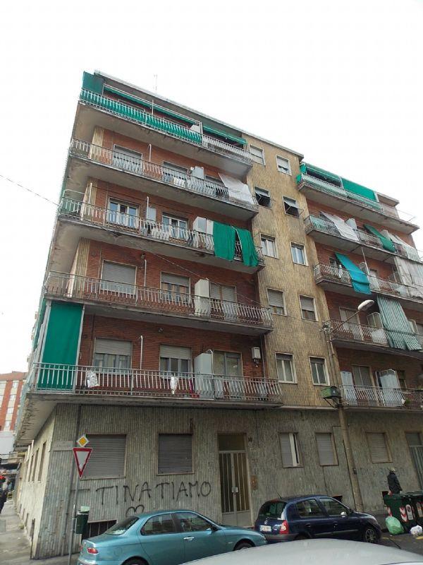 Bilocale Torino Via Caluso 10