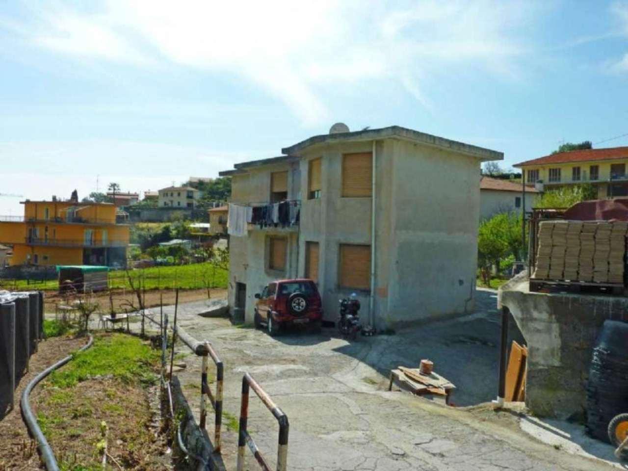 Bilocale Sanremo Strada A. San Pietro 1