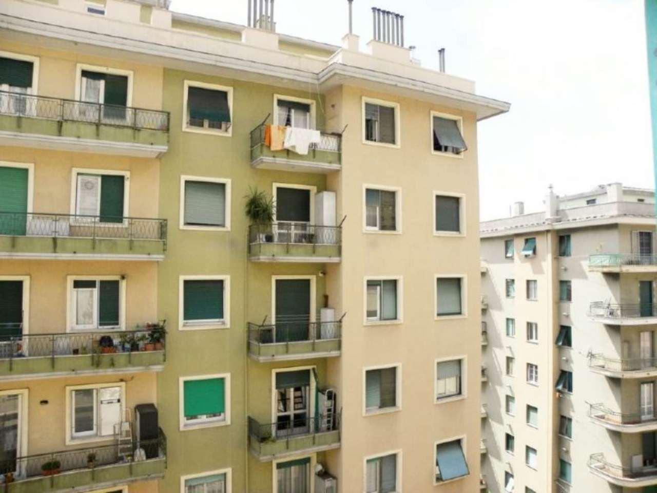 Bilocale Genova Via Dei Landi 10