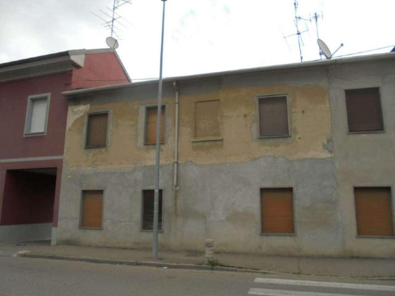 Bilocale Novara Via Sforzesca 1