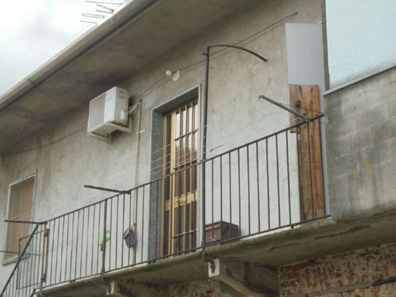 Bilocale Novara Via Sforzesca 4