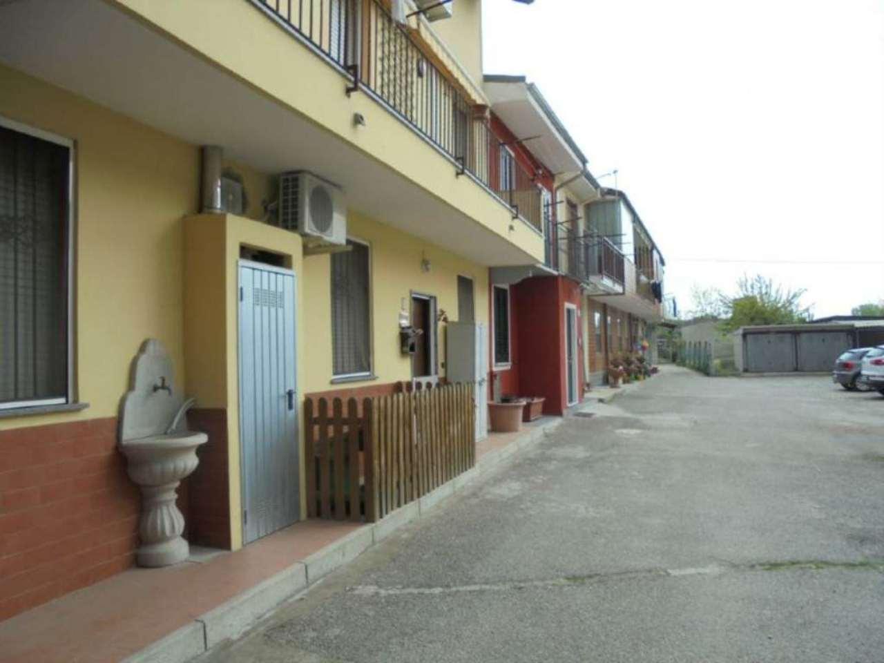 Bilocale Novara Via Sforzesca 6