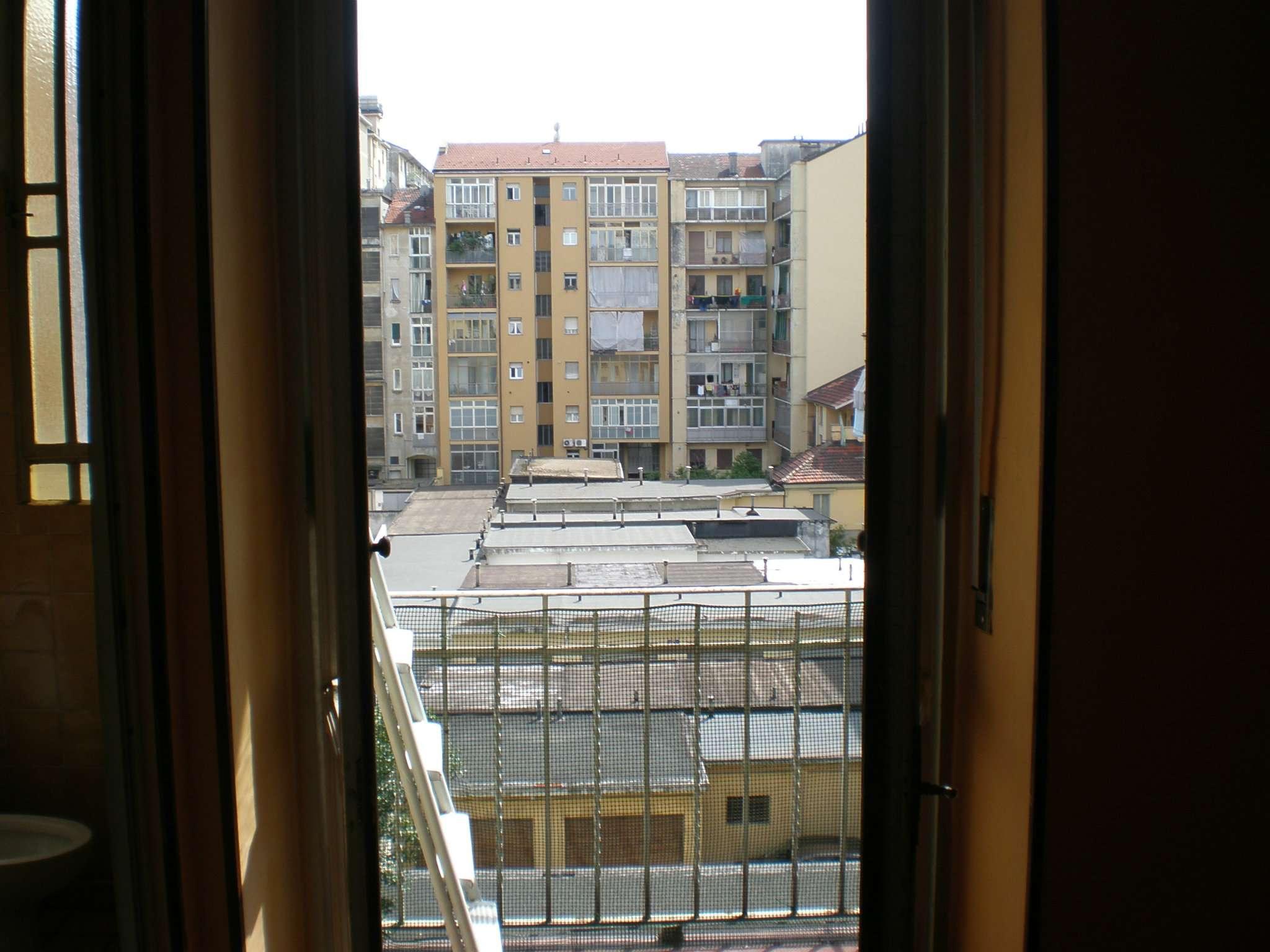 Bilocale Torino Corso Sebastopoli 8