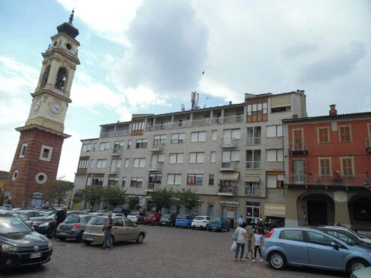 Bilocale Poirino Piazza Italia 1