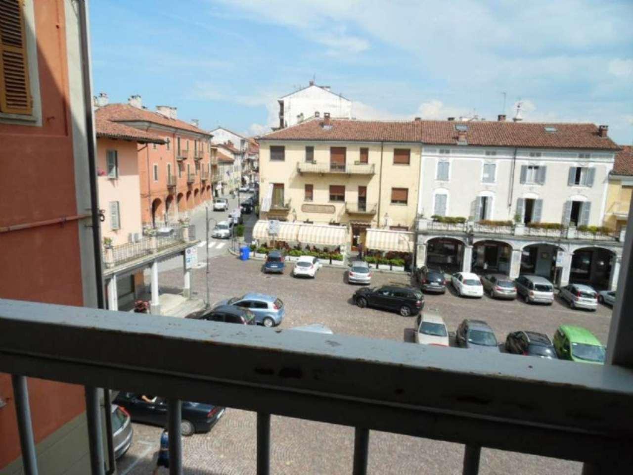 Bilocale Poirino Piazza Italia 7