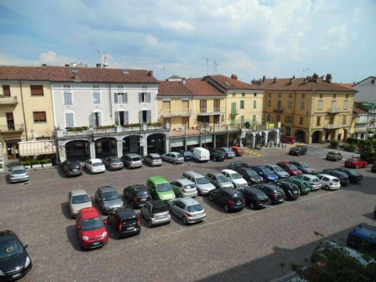 Bilocale Poirino Piazza Italia 8