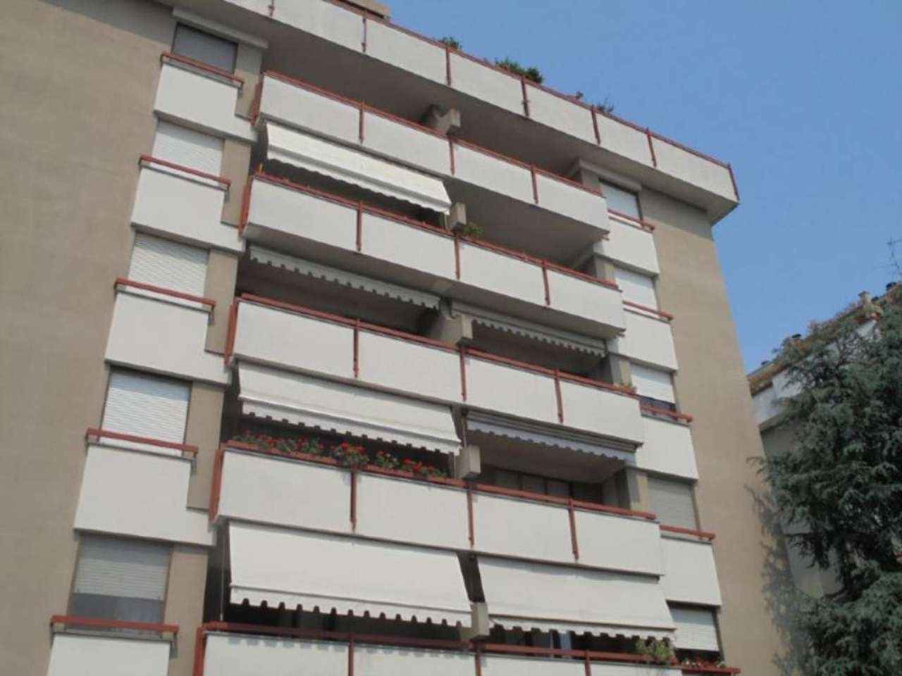 Bilocale Novara Via Luigi Camoletti 1