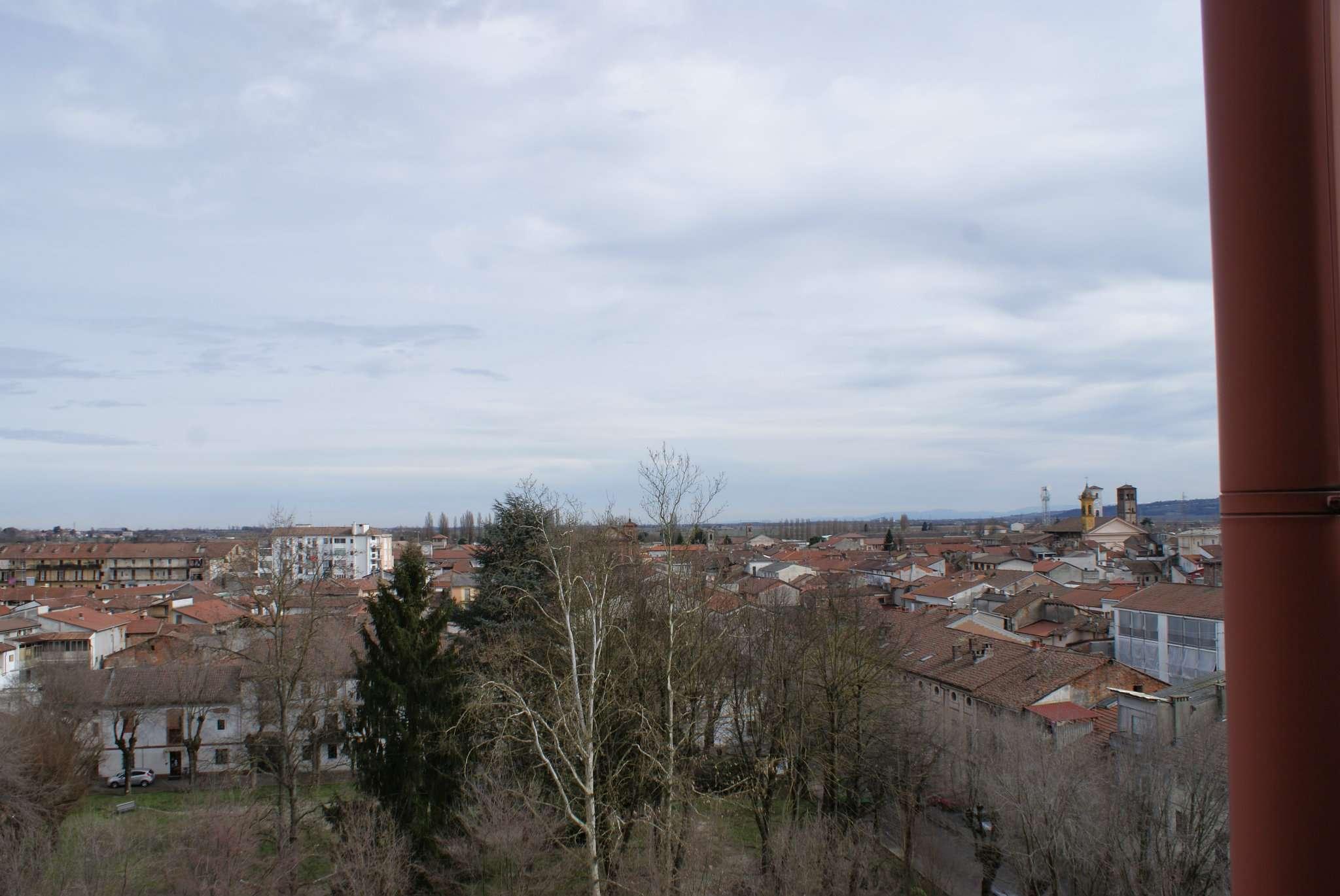 Bilocale Trino Via Montello 6