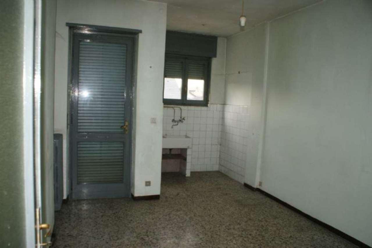 Bilocale Settimo Torinese Via Castiglione 2