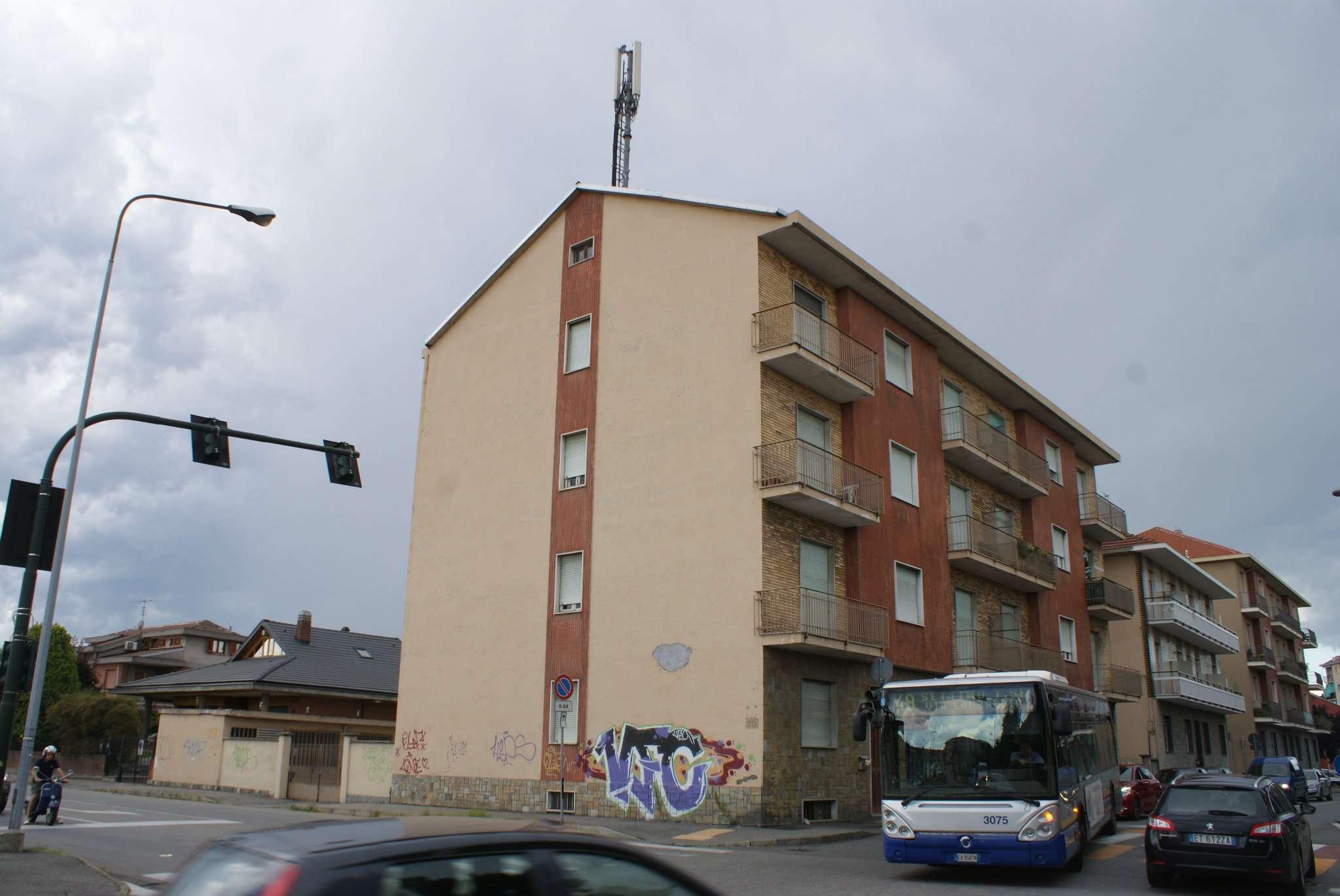 Bilocale Settimo Torinese Via Castiglione 10