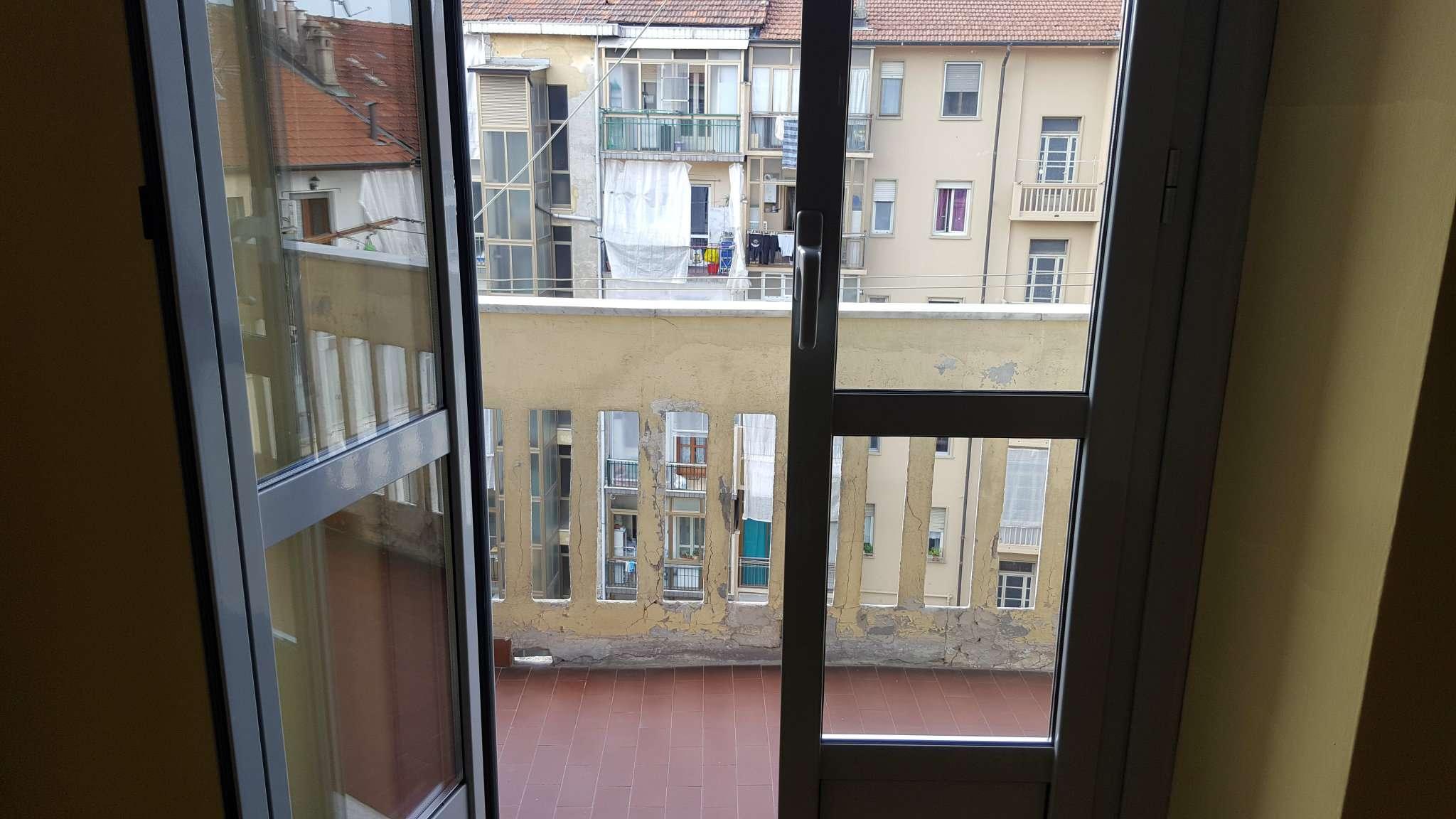 Bilocale Torino Via Michele Lessona 9