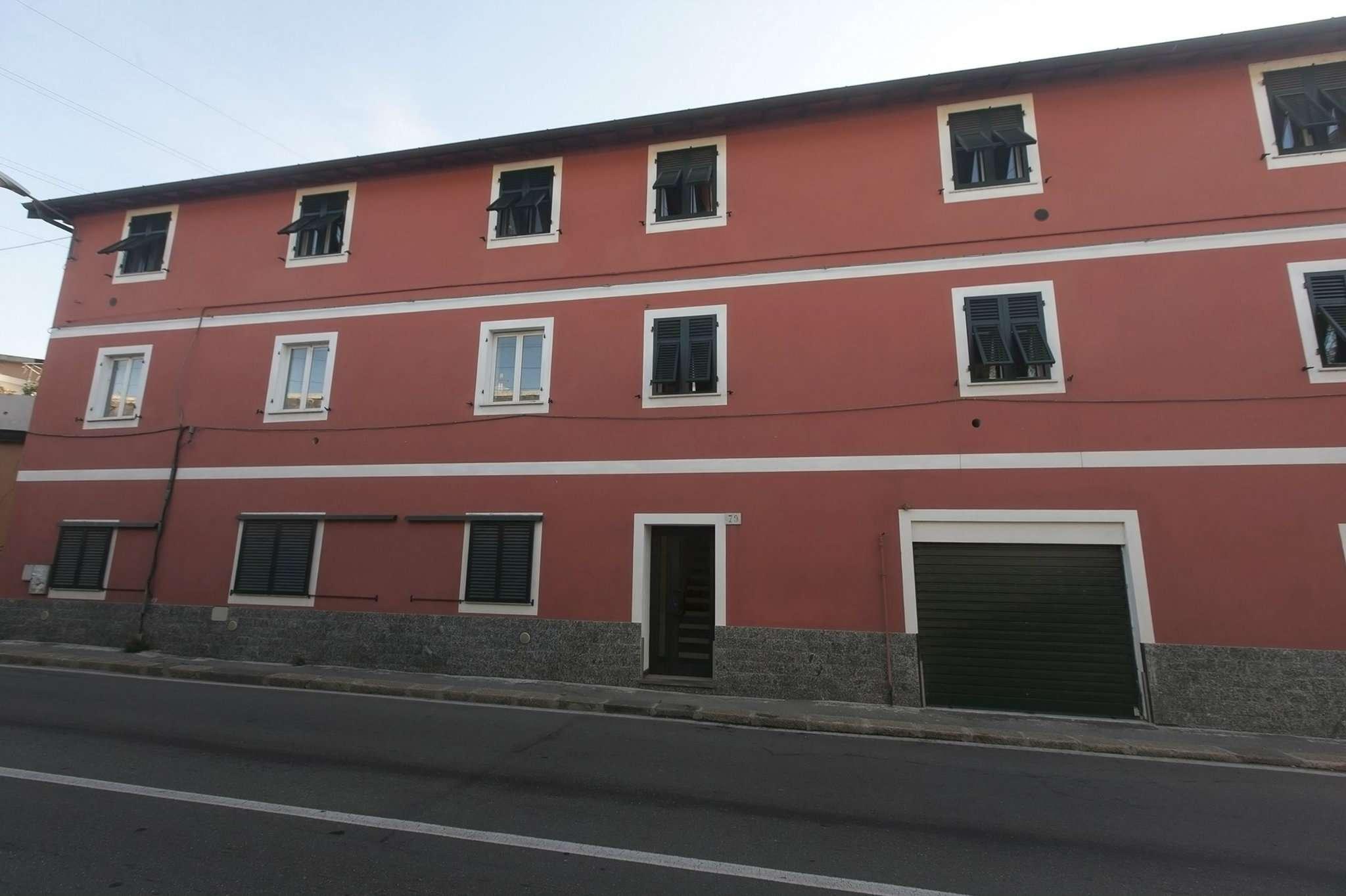 Bilocale Genova Via San Quirico 12