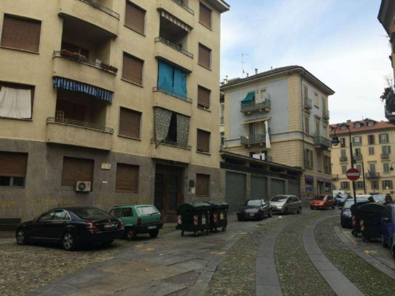 Bilocale Torino Via Borgo Dora 2