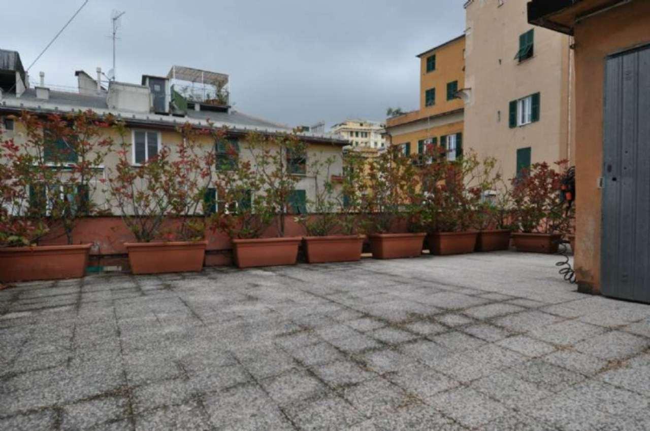 Bilocale Genova Piazza Marsala 11