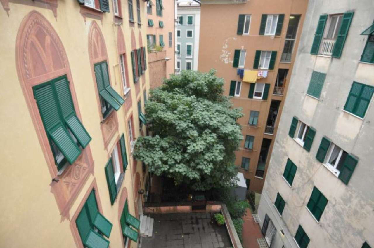 Bilocale Genova Piazza Marsala 12