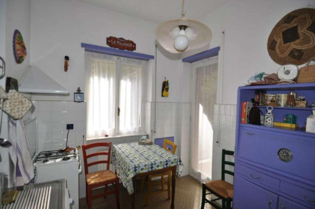 Bilocale Genova Via Ferretto 5