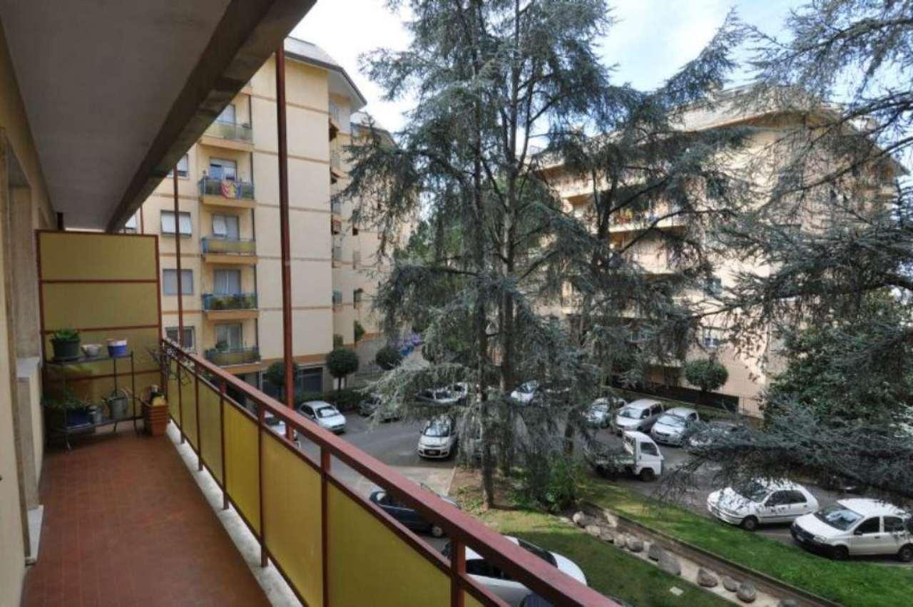 Bilocale Genova Via Ferretto 8