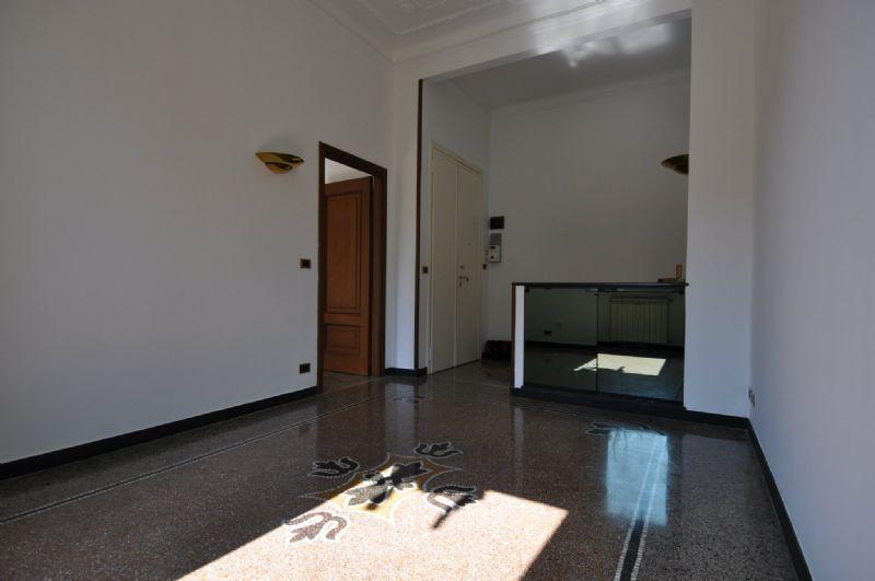 Genova Affitto APPARTAMENTO Immagine 2