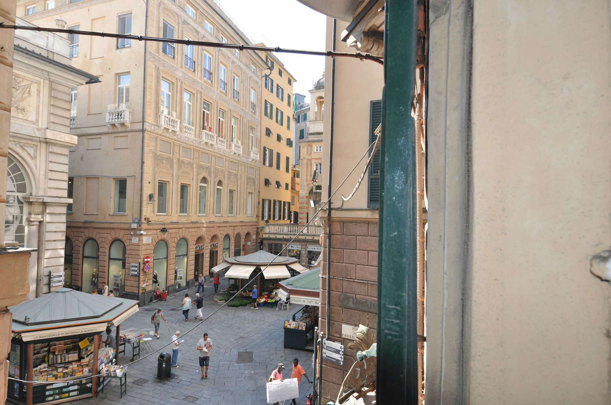 Bilocale Genova Via Ponte Reale 8