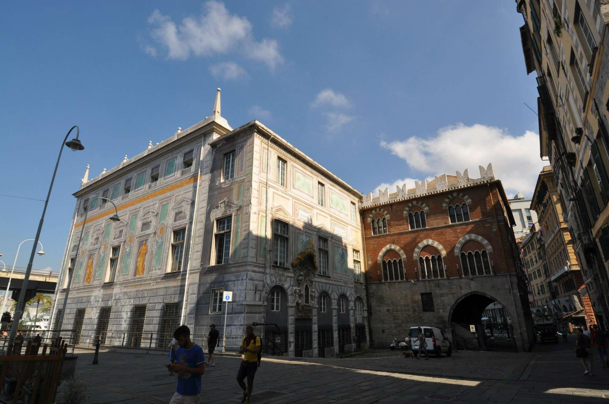 Bilocale Genova Via Ponte Reale 11